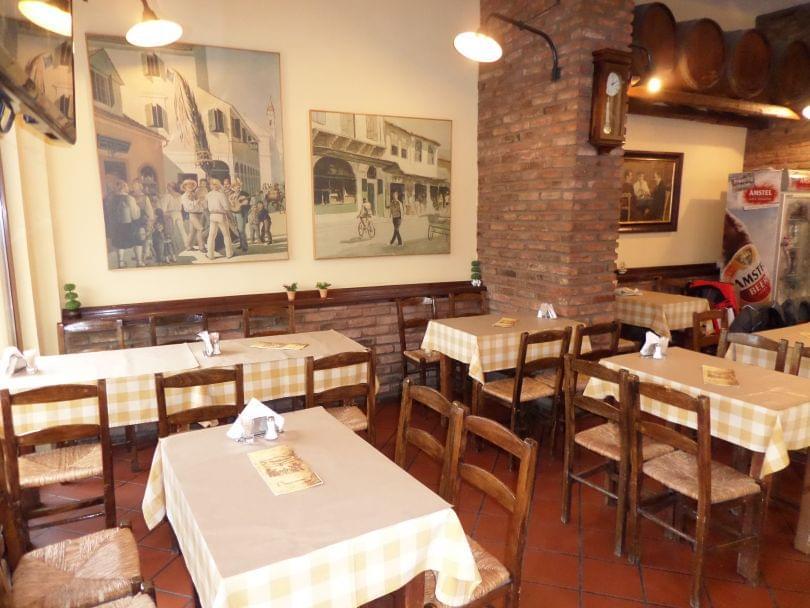 Παραδοσιακό (Το) (Λάρισα), Νεάπολη, Ελληνική κουζίνα
