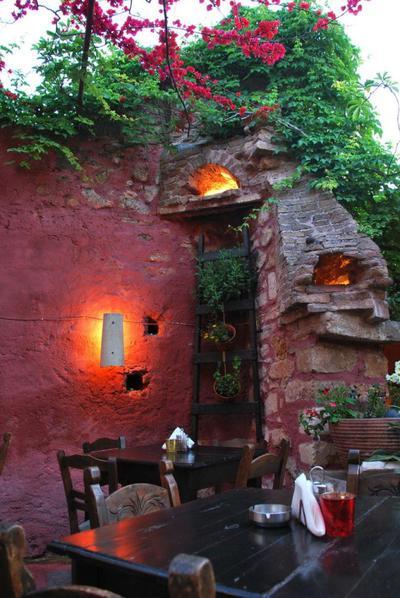 Adespoto Mousiki Taverna - εικόνα 1