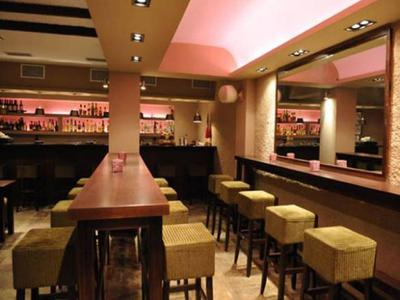 1990 Restaurant - εικόνα 4