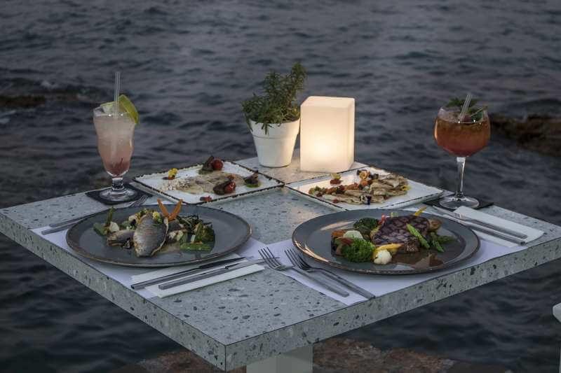 Cretan Blue Beach Restaurant - εικόνα 5