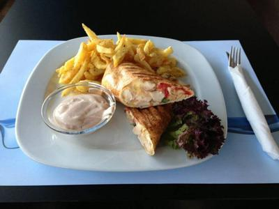 Bayway Cafe Restaurant - εικόνα 4