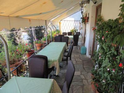 Paradosiaki Taverna Meintani - εικόνα 1