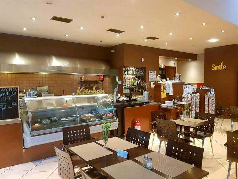 Smile Family Restaurant (Acropolis) - εικόνα 1