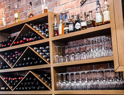 Corks & Forks-Wine Pub - εικόνα 2