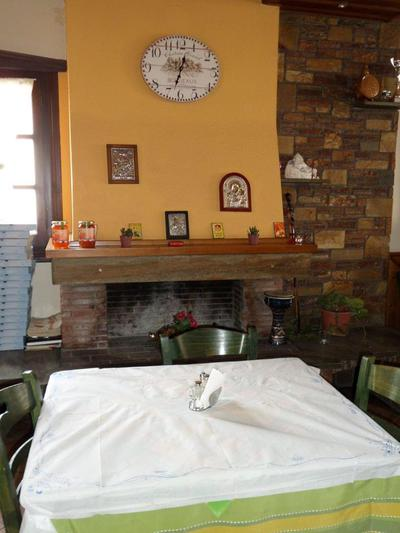 Ouzeri Taverna Pizzeria o Takis - εικόνα 2