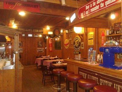 Corner West Saloon - εικόνα 1