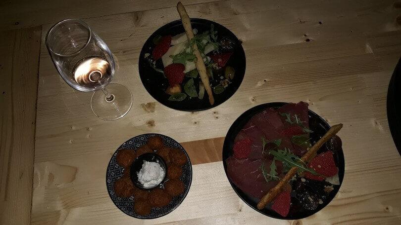 Phiali tapas & wine bar - εικόνα 1