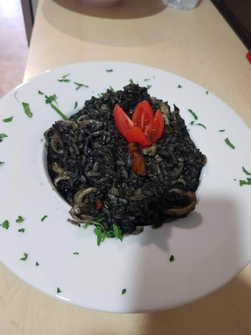 Μαύρη Σκορπίνα - εικόνα 1