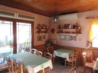 Paradosiaki Taverna Meintani - εικόνα 3