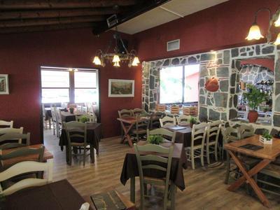 Εστιατόριο τα Πυθάρια - εικόνα 1