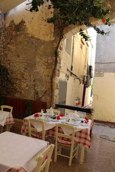 Family Taverna Loggia - εικόνα 1