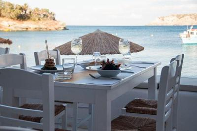 Almyra Seaside Food & Cocktails - εικόνα 4