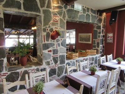 Εστιατόριο τα Πυθάρια - εικόνα 3