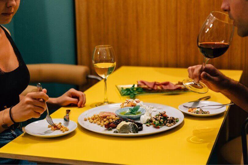 Karolos - Wine & Bar Food - εικόνα 2