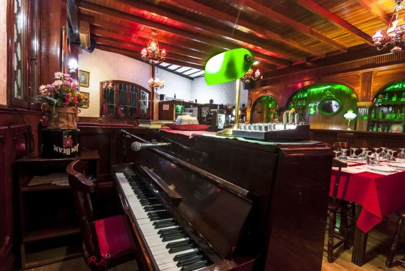 Saloon Piano Restaurant - εικόνα 3