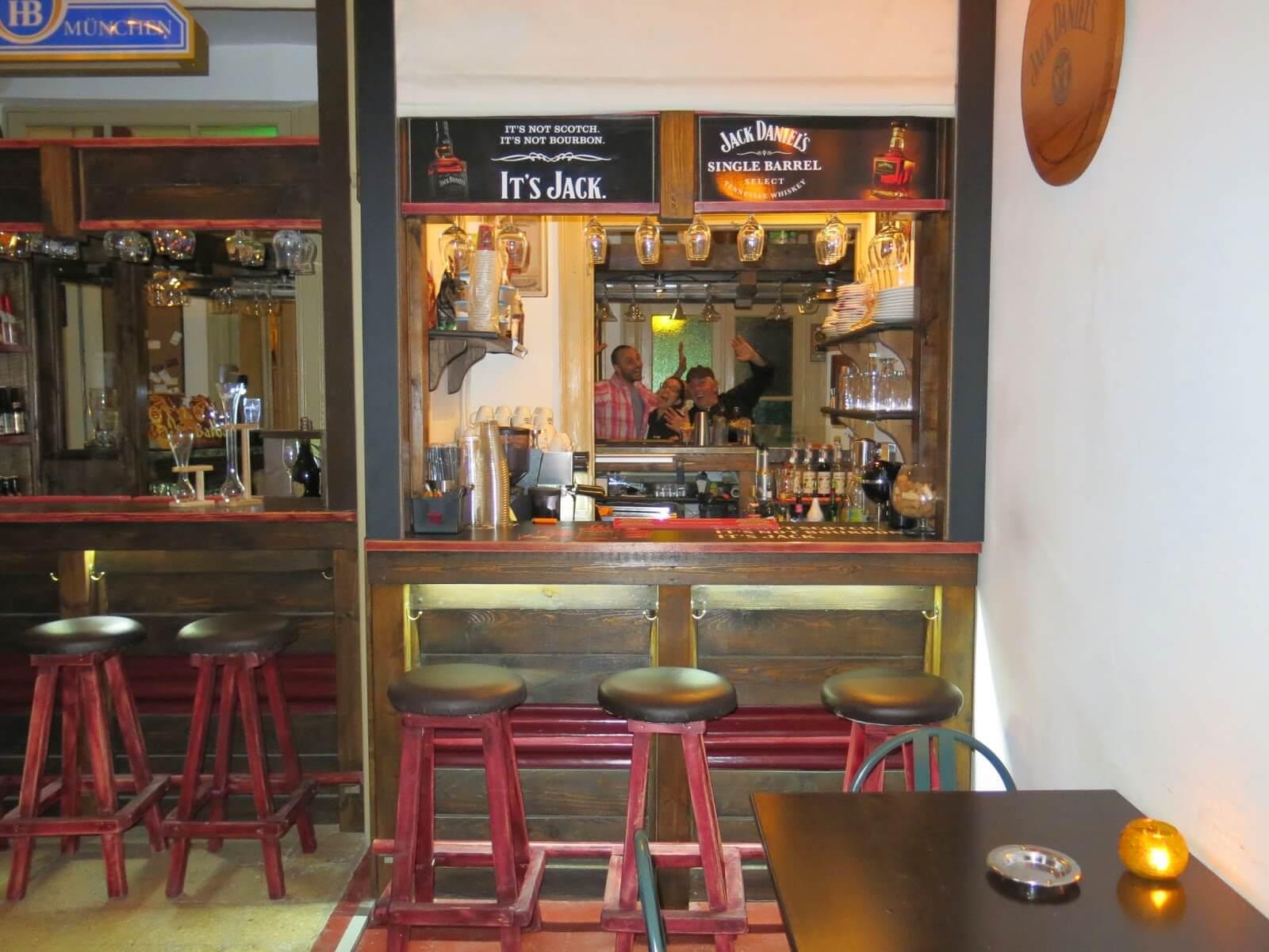 Kozeri Bar & Restaurant - εικόνα 4