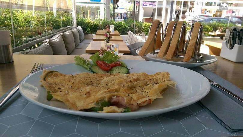 Arch Cafe Eaterie - εικόνα 3